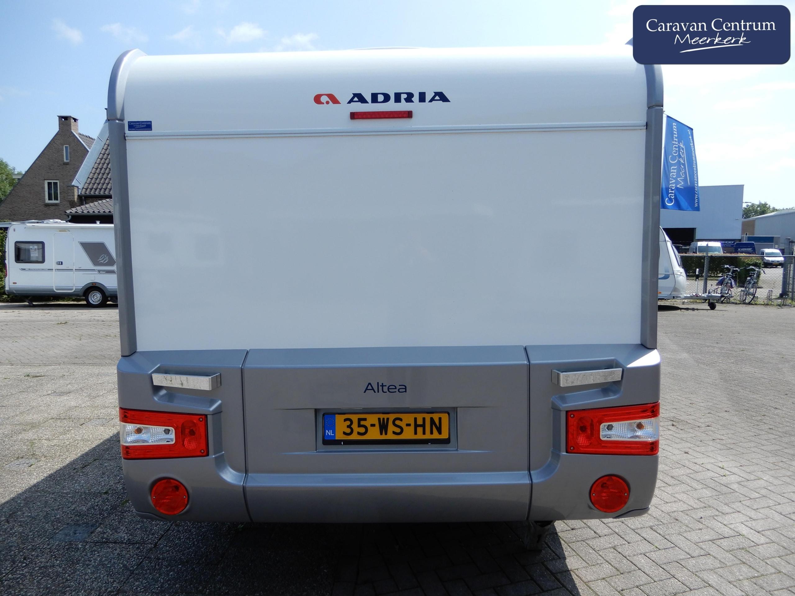 Foto van Adria Altea 492 UL Mover + Airco + Voortent